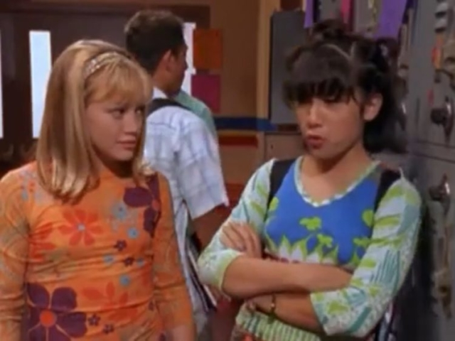 Lizzie and Miranda in the Hall in Lizzie McGuire Episode 105: I've Got Rhythmic