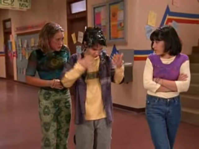 Lizzie McGuire, Outfit Repeater in Lizzie McGuire Episode 106: Jack of All Trades